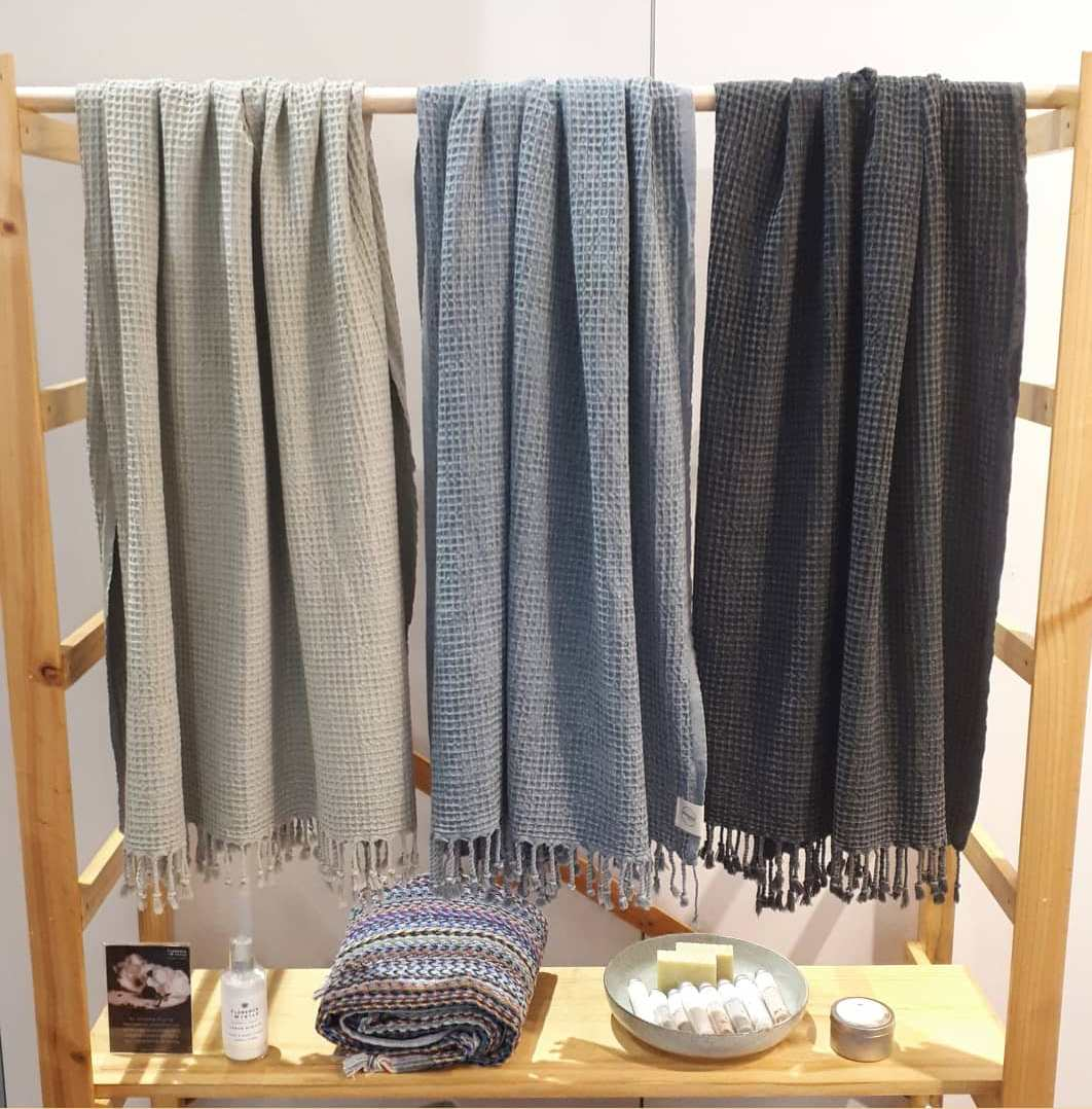 handloomed throws towels